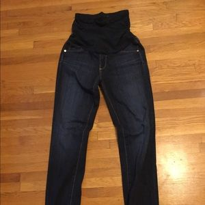 MOVING MAKE OFFERS! AG Maternity skinny jeans